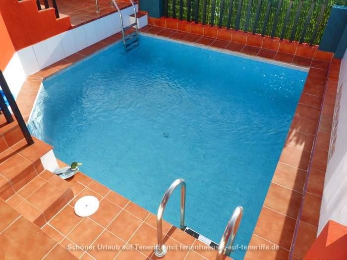 ferienwohnung mit pool terrasse und traumhaften blick in el sauzal. Black Bedroom Furniture Sets. Home Design Ideas