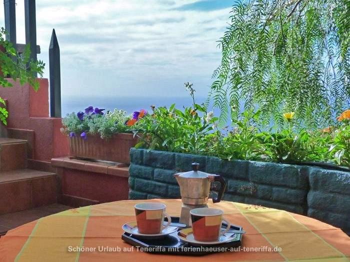 ferienwohnung mit pool terrasse und traumhaften blick in. Black Bedroom Furniture Sets. Home Design Ideas