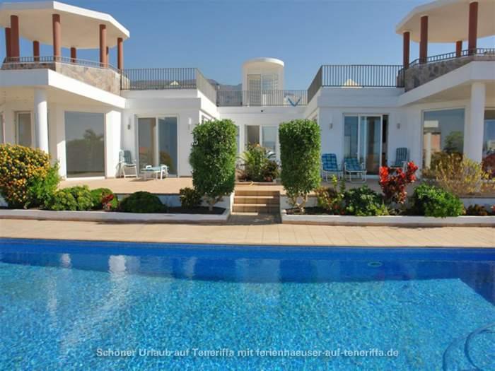 Moderne luxusvilla mit pool  Moderne Villa mit solarbeheiztem Pool in Playa Paraiso