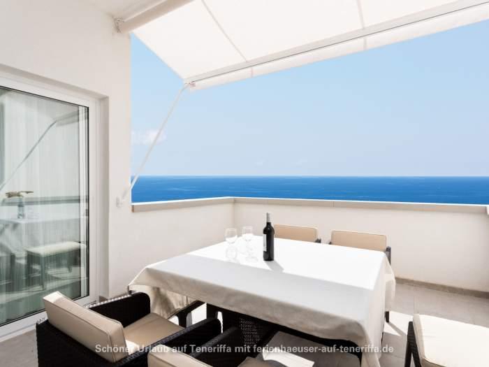 Moderne Ferienwohnung mit Terrasse und Meerblick am Strand