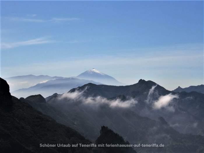 Mercedeswald La Laguna mit Teide