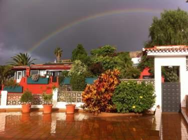 Sonne, Regen und Regenbogen auf Teneriffa